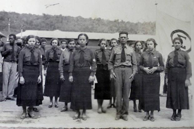 Bela, recatada e do lar: atuação sociopolítica das mulheres pernambucanas no movimento integralista – Helisangela Maria Andrade Ferreira (UFRPE – PE)