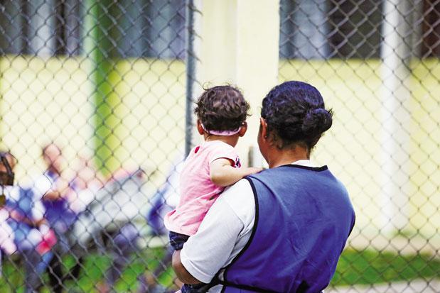 O Processo de Construção do Convívio Familiar e Social de Crianças que Nasceram e Viveram em Ambiente Prisional – Rita de Cássia Rodrigues Costa Naumann (DEPEN-PR)
